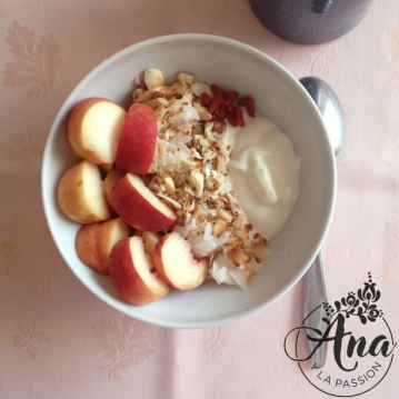 Fruit-granola_bowl
