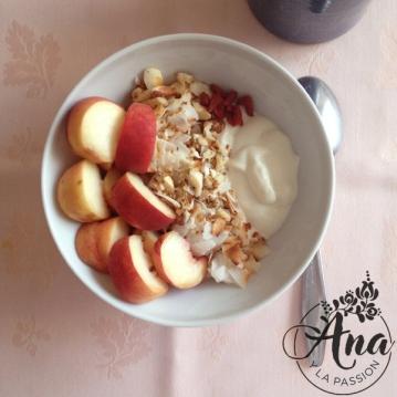 Fruit-granola_bowl