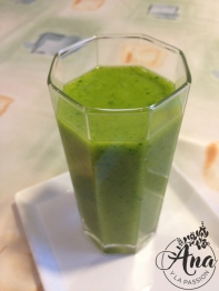 spinach-peach smoothie